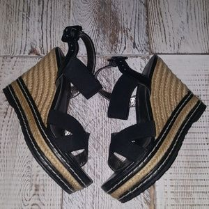 Charles By Charlse David Wedges SIZE 6